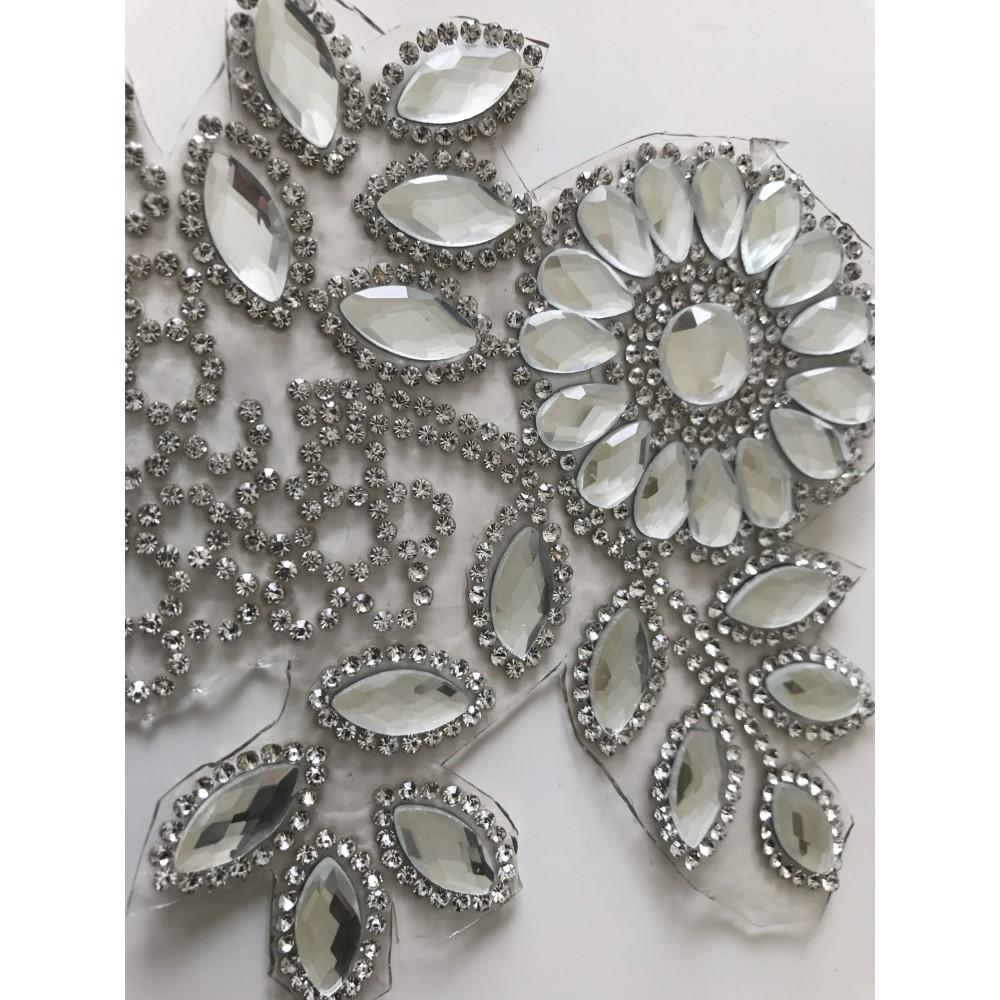 applique coller au fer repasser 13 10 cm en strass cristal. Black Bedroom Furniture Sets. Home Design Ideas