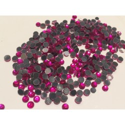 Lot de 10 gr de strass thermocollant 4 mm fuschia en cristal