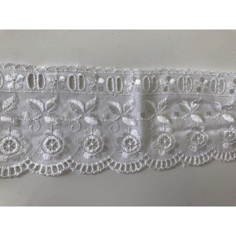 broderie anglaise