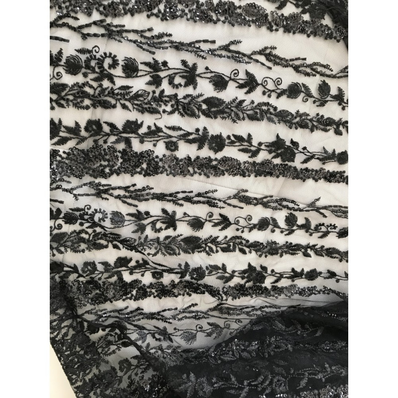 Tissus en dentelle noir