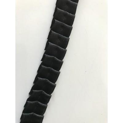 Ruban de satin noir plissé