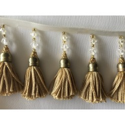 Frange de pompon avec perle