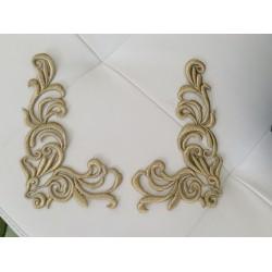 Applique col à coudre  brodée en fil dorée un peu en relief 31*18cm