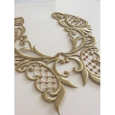 Applique à coudre  brodée en fil dorée un peu en relief 39*14 cm