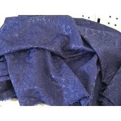 Tissus bleu damassé