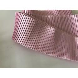 Ruban rose plissé