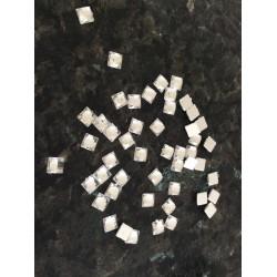 Lot de 5 gr de strass caré acrilique en 6 mm argente